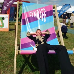 Brydan in the giant Cymraeg deck chair