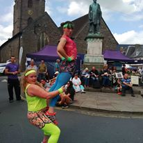 Robyn & Rae Brecon Jazz Festival Acrobatic in the street